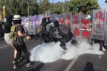 México. Gobierno desplegó mil policías para protesta contra violencia machista en el Instituto Politécnico Nacional