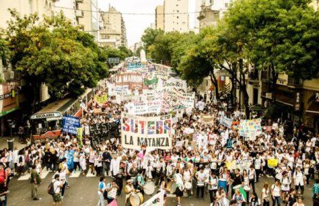 """Argentina. Resumen gremial. CTA A, «Cachorro» Godoy en Bolivia: """"Quedó demostrado que un pueblo decidido puede derrotar cualquier intento golpista alentado por EEUU ó a las fuerzas reaccionarias de la oligarquía""""/ El dilema sindical … (+ info)"""
