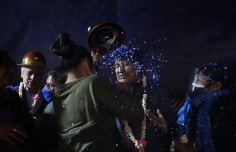 Bolivia. Evo sigue internándose en su tierra añorada, aclamado por multitudes