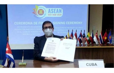 Cuba. Ingresa al Tratado de Amistad y Cooperación de Asean