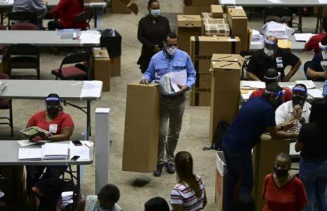 Puerto Rico. Hallan más de 150 maletas con votos no computados de las elecciones