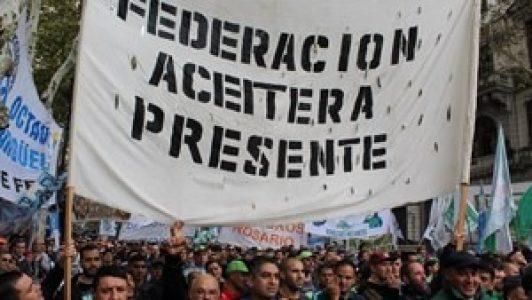 Argentina. Resumen Gremial: ATE va por un bono de fin de año para los estatales /ATE Capital hará paro en la administración pública /Aceiteros acepta una tregua hasta el viernes