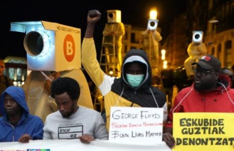 Migrantes. Se repiten los cacheos policiales racistas en Marzana, Bilbao
