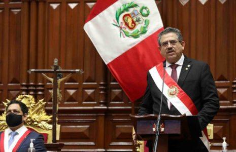 Perú. Renunció Manuel Merino:  «Nada justifica que una legítima protesta deba desencadenar la muerte»