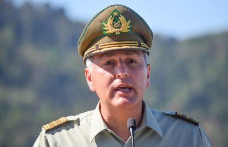 Chile. Después que carabineros balearan a dos adolescentes, fue cesado del cargo su jefe máximo, el General Rozas / Es el responsable de varios asesinatos de militantes populares