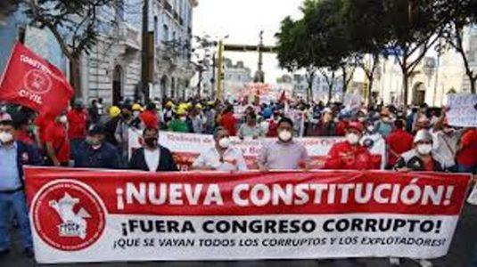 Perú. Sindicatos y organizaciones sociales marcharon por una nueva Constitución