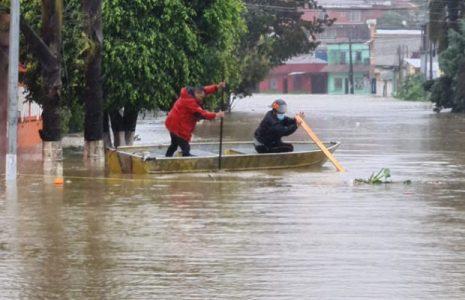 Pensamiento crítico. Mientras parte de Centroamérica se ahoga, parte de Suramérica muere de sed