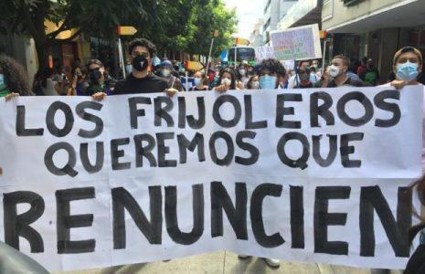 Guatemala. Nuevas protestas contra el gobierno/  Exigen asamblea constituyente  (fotos y videos)