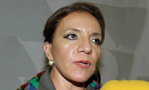 """Honduras. Xiomara Castro: """"Ha sido otra burda y sucia maniobra contra Mel. Yo preparé su equipaje"""""""