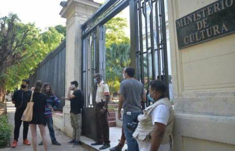 Cuba. El Ministerio de Cultura abre puertas al diálogo con artistas e intelectuales, pero sin condicionamientos