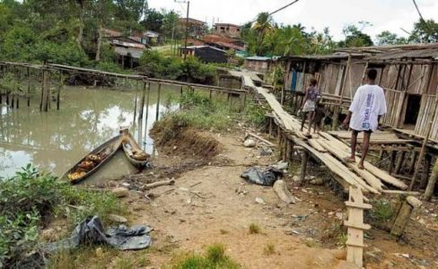 Colombia. «El Chocó esta peor que Somalia, no hay comida, agua potable, luz, baños ni presencia del Estado»