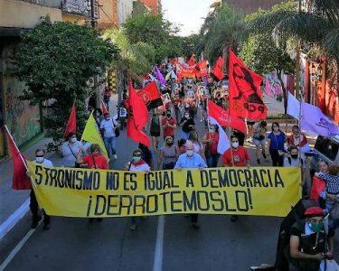 Paraguay. Pronunciamiento: ¡Democracia no es igual a stronismo!
