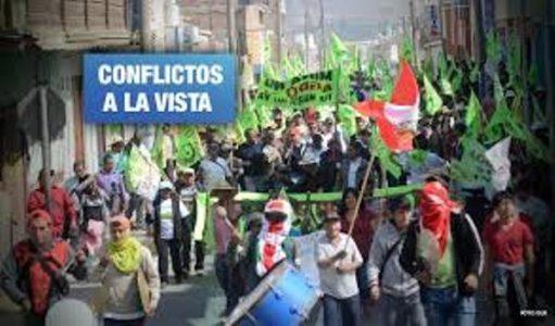 Perú. Advierten reactivación de tres proyectos mineros sin licencia social