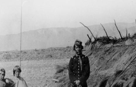 """Pensamiento crítico. """"Tirame las cartas"""": Tierra y vacas en la correspondencia de la frontera entre caciques y militares (1830 -1880)"""