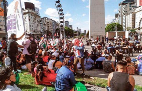 Argentina. Realizaron acto en el Obelisco «por una salida popular a la crisis»
