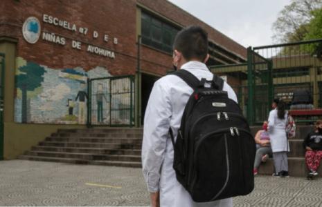 Argentina. Escuelas porteñas: solo podrán reclamar vacantes quienes no puedan pagar un privado