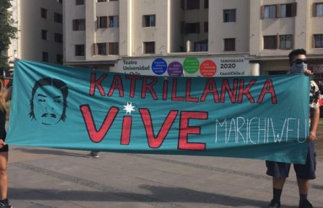 Chile. Viernes de manifestación en apoyo al pueblo mapuche y lxs presxs en Plaza de la Dignidad: carabineros reprimió con la dureza de siempre pero la plaza fue recuperada