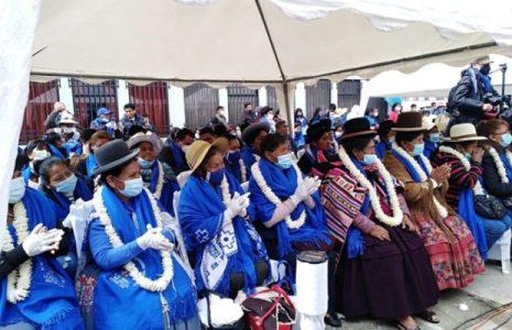 """Bolivia. Confederación """"Bartolina Sisa"""" entrega propuesta para reducir los niveles de abuso y violencia contra las mujeres"""