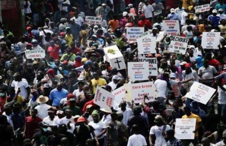Haití. Llaman a levantamiento general