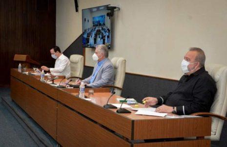 Cuba. Díaz-Canel señala que médicxs desmontan campañas de Estados Unidos
