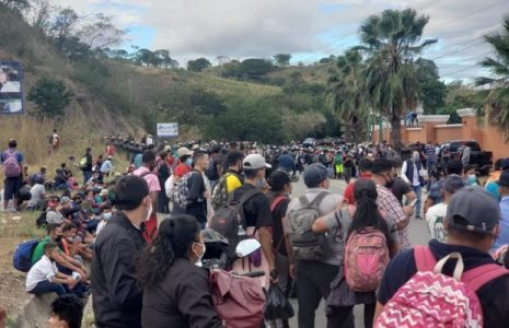 Guatemala. Reprimen caravana de migrantes hondureños en Chiquimula