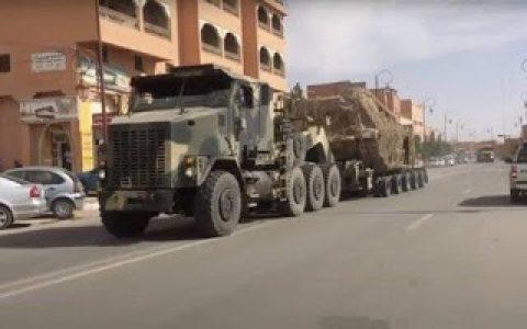 Sáhara Occidental. Tras el ataque, el ejército marroquí comienza a escoltar los convoyes que cruzan El Guerguerat hacia Mauritania.