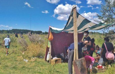 Argentina. Operativo policia para desalojar a 100 familias en la localidad de Senillosa, Neuquén