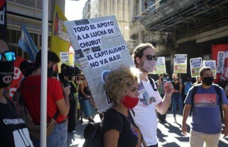 Argentina. Chubut: En medio de movilizaciones en todo el país, se suspendió la sesión legislativa por la zonificación minera / Arcioni se quedó sin festejo
