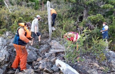 Argentina. Cortaron alambrados y tiraron muelles clandestinos para liberar las costas del lago Moreno