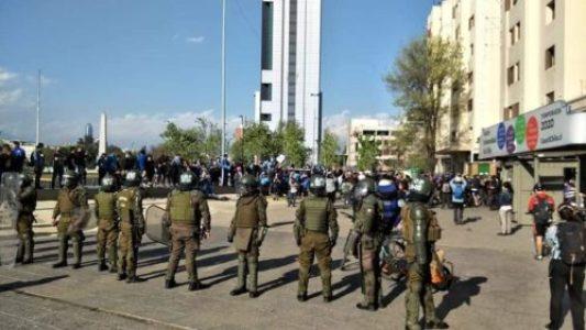 Chile. Manifestación en Plaza de la Dignidad reprimida por los Carabineros / «Fuera Piñera» sigue siendo la consigna (videos)