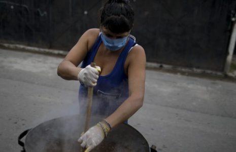 Nuestramérica. Feminismos populares: hacia una política en clave femenina