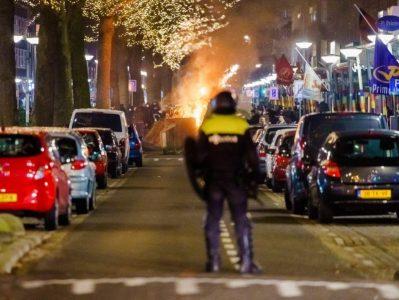 """Tribunal de La Haya exige que Holanda levante el toque de queda por violación """"al derecho de libertad"""""""