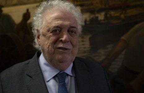 Por el escándalo de vacunación VIP, el Presidente le pidió la renuncia al ministro de Salud, Ginés González García
