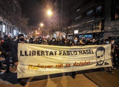 Catalunya. La protesta por la detención de Pablo Hasél sigue firme // Cuarta noche de manifestaciones e incidentes