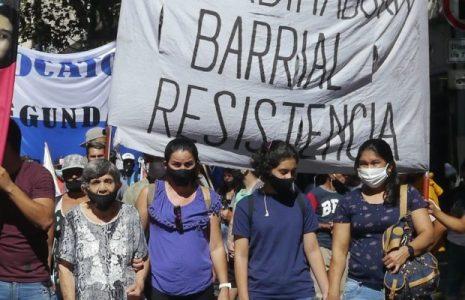 Argentina. Nueva y multitudinaria movilización a la embajada paraguaya condenando al gobierno genocida de Abdo //Exigieron aparición con vida de Lichita Oviedo Villalba (fotos+videos)