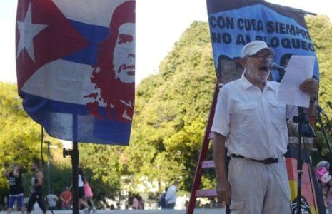 Cuba. Actor Norman Briski escribe un texto solidario con la Revolución Cubana por su ejemplo de humanismo revolucionario