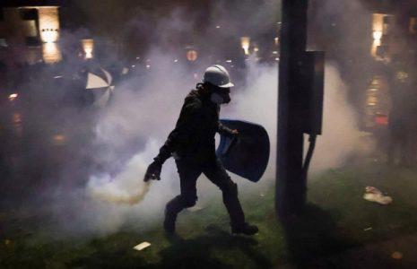 Estados Unidos. Continúan protestas por muerte de Daunte Wright en Minneapolis; manifestantes desafían toque de queda