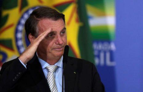 Brasil. Bolsonaro afirma que el Ejército puede salir a la calle para «acabar con esta cobardía del toque de queda»