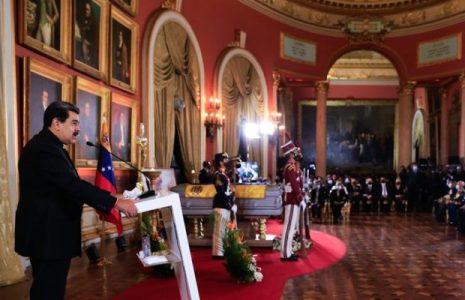 Venezuela. Nicolás Maduro rinde homenaje póstumo a Aristóbulo Istúriz