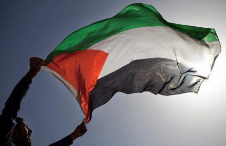 Palestina. Dos imágenes impactantes: una, la vida y la esperanza, la otra, la escoria pujando por la muerte