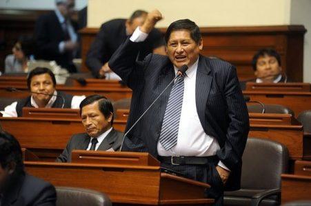 Perú. Juan Pari, un ariete en la lucha anticorrupción, refuerza a Castillo