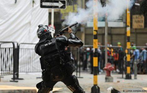 Colombia. En Cali manifestantes denuncian que policías vestidos de civil les dispararon con armas de fuego