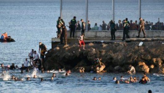 Migrantes. El  PSOE y Unidas Podemos despliega el Ejército para frenar la entrada de quienes arriesgan sus vidas para alcanzar territorio europeo