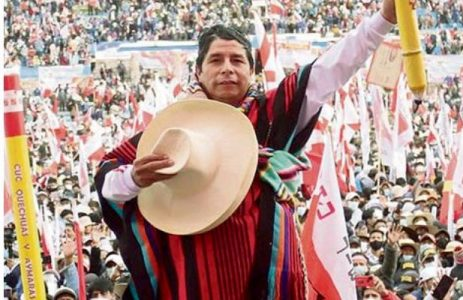 Perú. Una multitud en el acto de cierre de campaña de Pedro Castillo (video con discurso completo)
