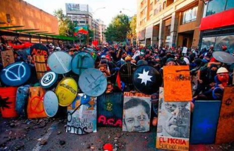 Chile. Marcelo Oses: «En la Revuelta nació un nuevo sujeto revolucionario, pero aún cierta izquierda sigue sin darse cuenta»