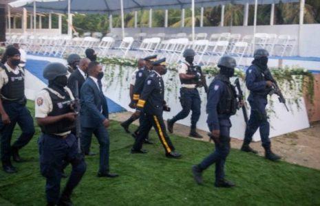 Haití. A los tiros en el funeral de Jovenel Moise