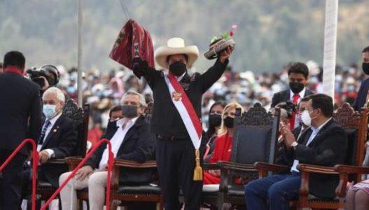 Perú. Pedro Castillo jura de forma simbólica en la Pampa de Ayacucho
