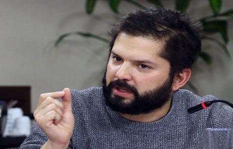 Chile. Gabriel Boric fue increpado por familiares y amigos de detenidos del estallido social en su visita a la cárcel Santiago 1