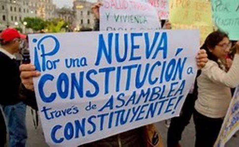 """Perú. El gobierno exige que """"se respete la legítima aspiración del pueblo"""" a una nueva Constitución"""