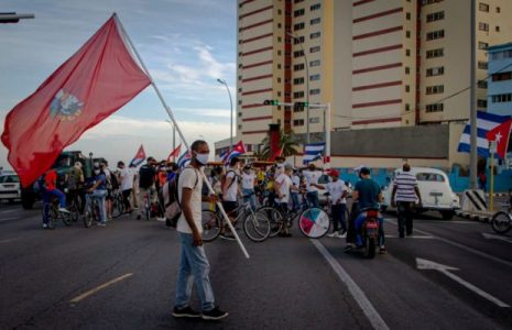 Cuba: Caravana por la paz (fotoreportaje)